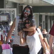 Russell Brand : Virée shopping et amoureuse avec sa nouvelle compagne