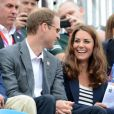 Kate Middleton et le prince William ont encouragé Zara Phillips et l'ont vue décrocher sa première médaille olympique.   Comme la veille lors de l'épreuve de cross, les membres de la famille royale britannique étaient nombreux mardi 31 juillet 2012 à Greenwich Park pour soutenir Zara Phillips et la voir décrocher avec l'équipe britannique de concours complet la médaille d'argent aux Jeux olympiques de Londres.