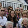 Le prince William et Kate Middleton ont vibré, ainsi que le prince Harry, pour Zara Phillips, médaille d'argent du concours complet par équipes le 31 juillet 2012 à l'issue du saut d'obstacles, où la cavalière royale a encore excellé sur High Kingdom, aux Jeux olympiques de Londres.