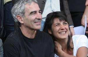 Raymond Domenech vient de demander Estelle Denis en mariage ! (réactualisé)
