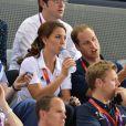 Kate Middleton et le prince William, avec le prince Harry, ont vibré jeudi 2 août 2012 au vélodrome de Stratford pour la médaille d'or du trio britannique Philip Hindes-Chris Hoy-Jason Kenny, champions de la vitesse sur piste aux Jeux olympiques.
