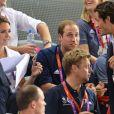 Kate Middleton et le prince William, salués ici par le prince Carl Philip de Suède, ont vibré jeudi 2 août 2012 au vélodrome de Stratford pour la médaille d'or du trio britannique Philip Hindes-Chris Hoy-Jason Kenny, champions de la vitesse sur piste aux Jeux olympiques.