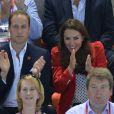 Le prince William, duc de Cambridge et Catherine, duchesse de Cambridge lors des finales olympiques de natation le 3 août 2012 à Londres