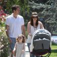Alyson Hannigan, son mari Alexis Denisof, leur petite fille Satyana et la dernière Keeva profitent d'un dimanche ensoleillé dans les rues de Brentwood le 5 août 2012