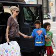 Heidi Klum et ses deux fils Henry et Johan dans le quartier de SoHo. New York, le 6 août 2012.