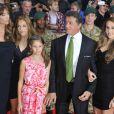 Sylvester Stallone avec sa femme Jennifer Flavin et leurs filles lors de l'avant-première à Londres d'Expendables 2 le 13 août 2012