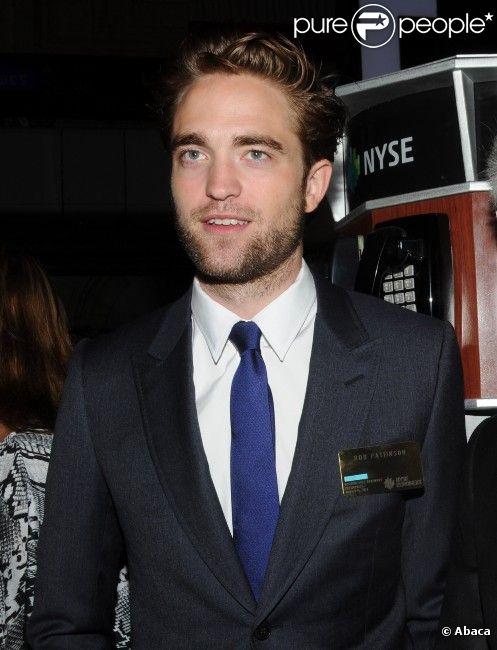 Robert Pattinson visite la New York Stock Exchange le 14 août 2012