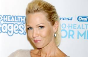 Jennie Garth, superbe, pour son premier rendez-vous amoureux depuis son divorce