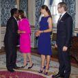 """""""La princesse Victoria de Suède et le prince Daniel secondaient la reine Silvia le 15 août 2012 au palais royal à Stockholm pour la réception d'une délégation brésilienne et d'autres invités à l'occasion du match amical de football Suède-Brésil."""""""