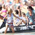 Kate Moss en vacances à Saint-Tropez avec sa fille, Lila, le 19 août 2012