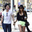 Nina Dobrev et son amoureux Ian Somerhalder dans les rues de New York en mai 2012