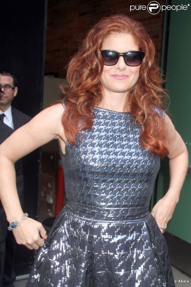 Debra Messing devant les studios de NBC pour l'émission  Good Morning America , à New York, le 22 août 2012.