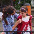 Katie Holmes et Suri Cruise dans un parc de New York, le 3 septembre 2012.