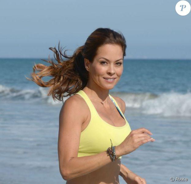 Exclusif - La sexy Brooke Burke Charvet entretient sa bonne forme durant une après-midi près du bungalow Svedka. Malibu, le 4 septembre 2012.