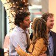Bradley Cooper va embrasser sa partenaire Gillian Vigman sur le tournage de Very Bad Trip 3 à Los Angeles le 12 septembre 2012