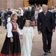 La princesse Ingrid avec le couple royal à la sortie de la cérémonie. Marius Borg Hoiby, fils aîné de la princesse Mette-Marit né d'une précédente relation, effectuait le 2 septembre sa confirmation à l'église d'Asker, à Oslo, en présence de sa mère, du prince Haakon, de la princesse Ingrid, du prince Sverre, du roi Harald V, de la reine Sonja et de Marit Tjessem, sa grand-mère maternelle.