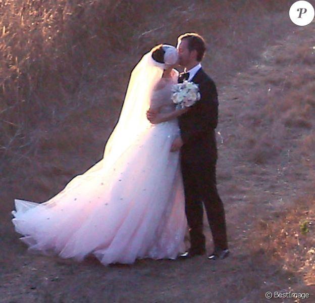 Anne Hathaway et Adam Shulman se sont mariés à Big Sur, Californie, le 29 septembre 2012.