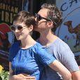Anne Hathaway et Adam Shulman en août 2012.