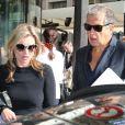 Kate Moss et Mario Testino quittant le Café de Flore, à Paris, le 1er octobre 2012.