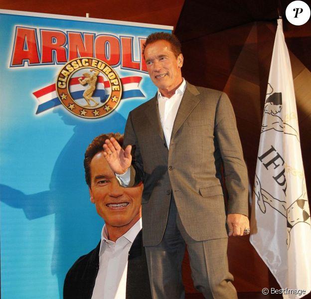 L'ex-gouverneur de Californie Arnold Schwarzenegger lors de la promotion de son autobiographie Total Recall, le 11 octobre à Madrid.