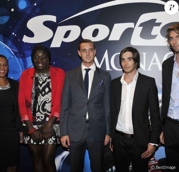 Gwladys Epangue, Lucie Décosse, Pierre Casiraghi, Kevin Rolland et Camille Lacourt lors de la remise des Georges Bertellotti Golden Podium Awards au Forum Grimaldi, le 16 octobre 2012.