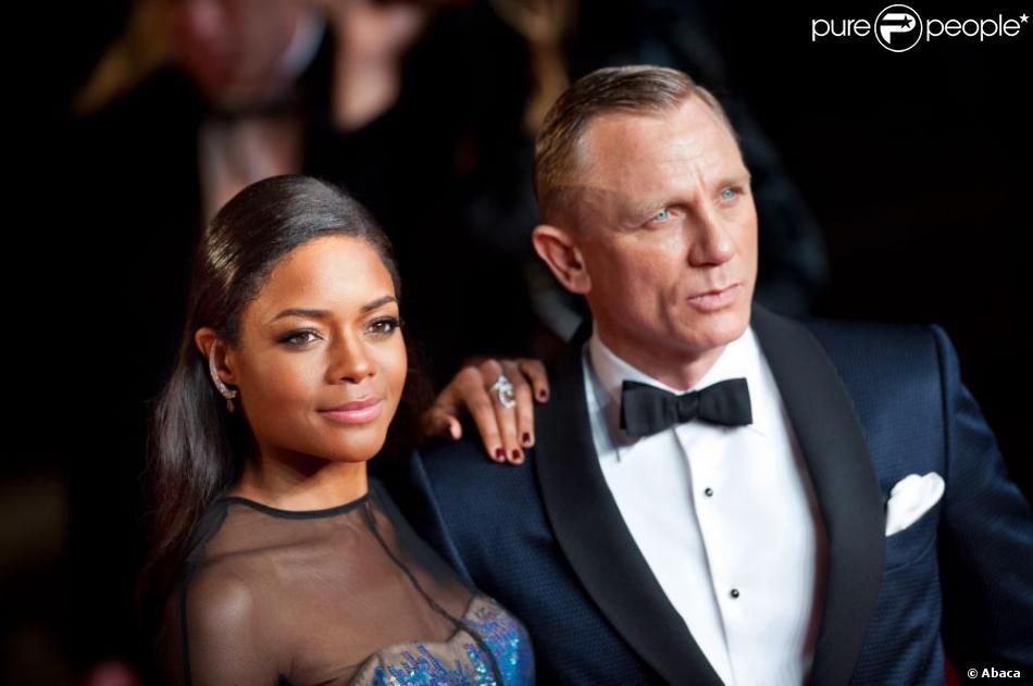 Naomi Harris et Daniel Craig lors de l'avant-première à Londres du film Skyfall le 23 octobre 2012