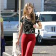 La jolie AnnaLynne McCord quitte le plateau de tournage de 90210, à Los Angeles, le 24 octobre 2012