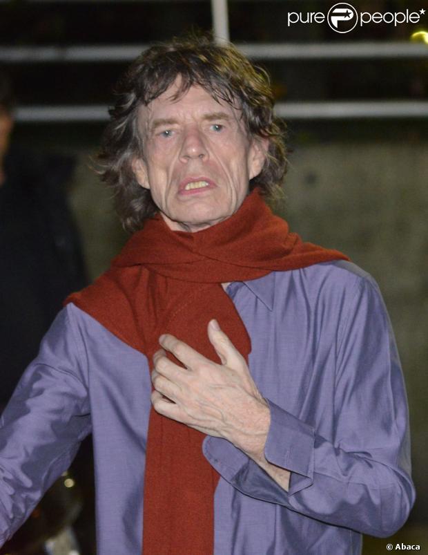Charlie Watts devant le Trabendo où jouent les Rolling Stones, à Paris, le 25 octobre 2012.