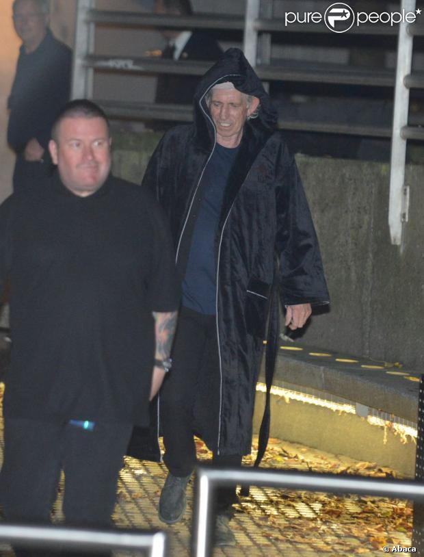 Keith Richards devant le Trabendo où jouent les Rolling Stones, à Paris, le 25 octobre 2012.