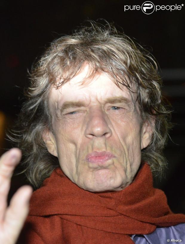 Ronnie Wood devant le Trabendo où joue les Rolling Stones, à Paris, le 25 octobre 2012.