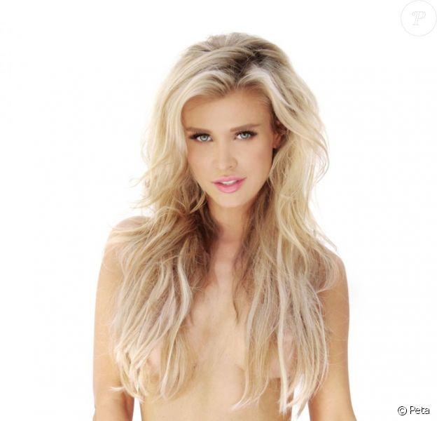 Joanna Krupa pose pour la campagne PeTA I'd Rather Go Naked Than wear Fur