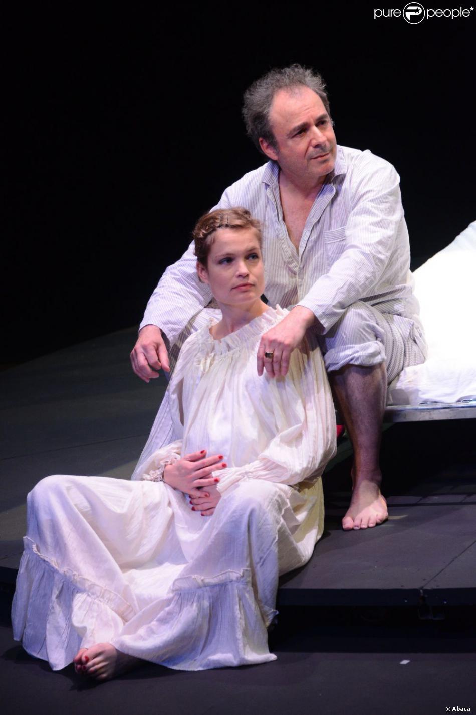Sarah Biasini et Robert Malaka dans  Zéro s'est endormi  au Théâtre Artistic Athévains, à Paris le 3 novembre 2012.