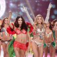 Miranda Kerr, Adriana Lima, Doutzen Kroes et les plus beaux Anges défilent pour le Victoria's Secret Fashion Show à New York City le 7 novembre 2012