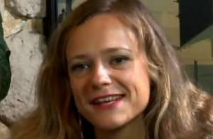 Camille Raymond : Le retour de la belle Justine Girard de Premiers Baisers