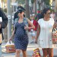 Amber Rose, enceinte, et sa mère dans les rues de Sherman Oaks, à Los Angeles, le 20 novembre 2012.