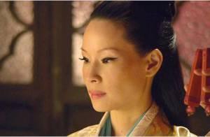 Lucy Liu flippante et sexy face à Russell Crowe dans L'Homme aux poings de fer