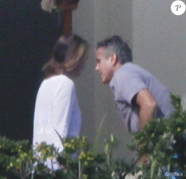George Clooney et sa compagne Stacy Keibler sont actuellement en vacances avec Cindy Crawford et Rande Gerber à Los Cabos au Mexique. Photo prise le 23 novembre 2012.