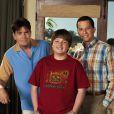 Angus T. Jones, Charlie Sheen et Jon Cryer dans la saison 5 de  Mon Oncle Charlie.