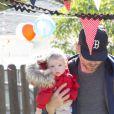 Jessica Simpson a posté sur son compte Twitter deux photos de son fiancé Eric Johnson et de leur fille de 6 mois Maxwell.