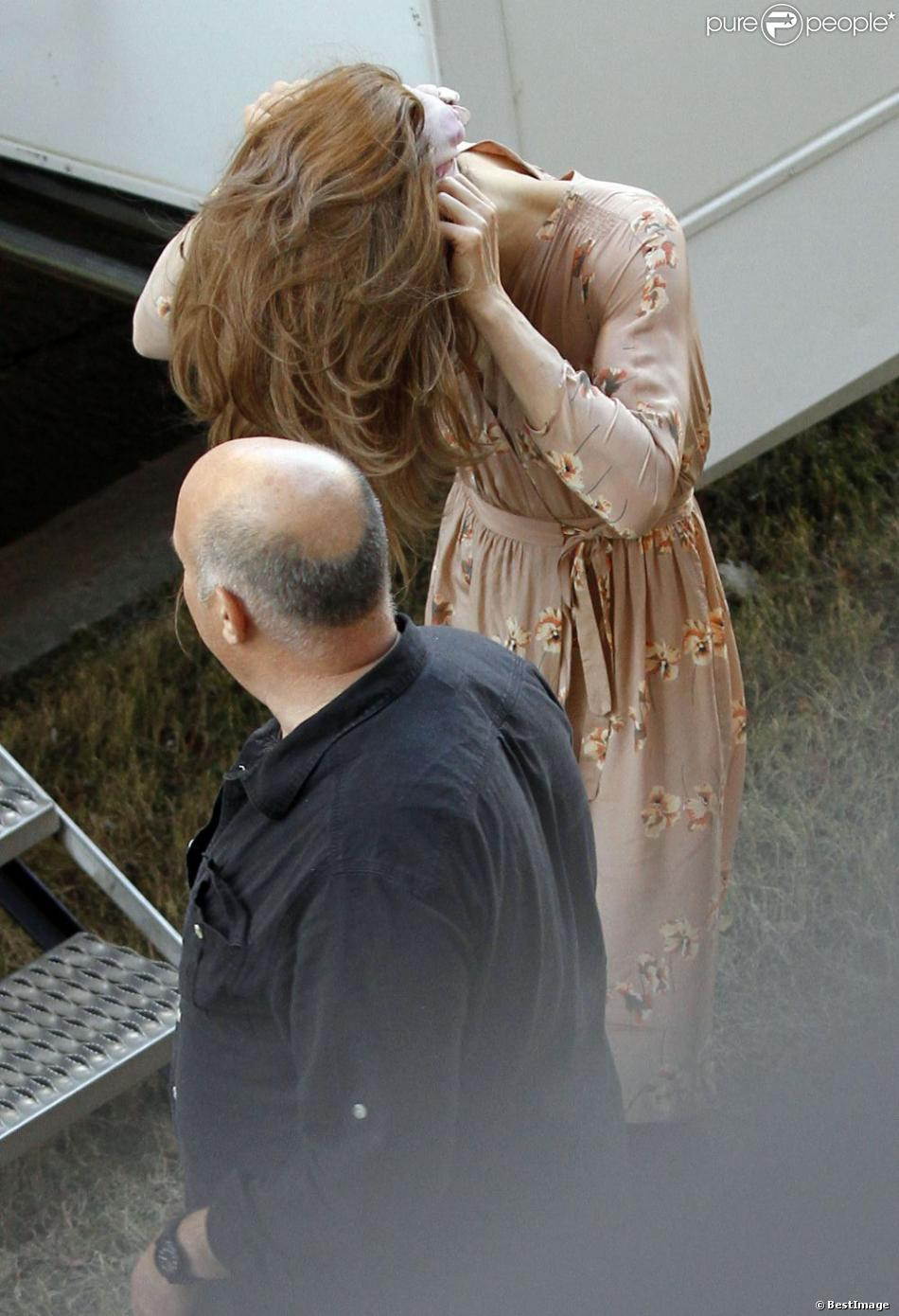 Jared leto porte une perruque blonde sur le tournage de for Juives portent une perruque