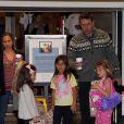 Toute la famille Affleck/Garner fête l'anniversaire de Violet, 7 ans, en compagnie de ses amies, le 1er décembre 2012 à Brentwood