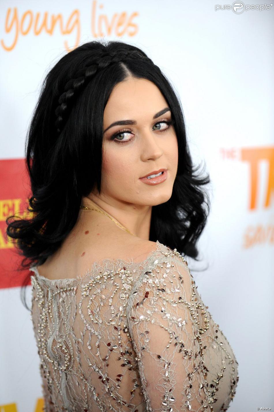 Katy Perry a reçu le prix Trevor Hero Award dimanche 2 décembre à Los Angeles.