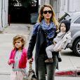 Virée entre filles pour Jessica Alba, Honor et Haven à Beverly Hills. Le 8 décembre 2012.