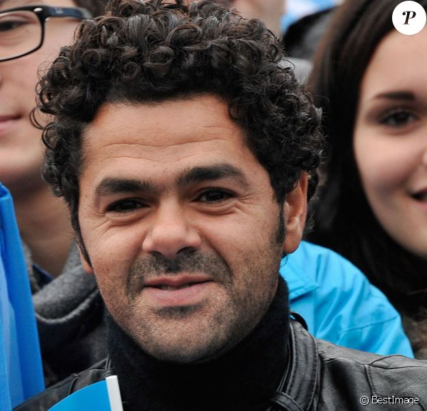 Jamel Debbouze présent et motivé pour l'opération Poussettes vides au profit de l'Unicef à Paris dans les jardins du Trocadéro le 18 novembre 2012