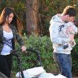 Lionel Messi et sa compagne Antonella Roccuzzo avec leur petit Thiago, le lundi 10 décembre 2012 à Barcelone.