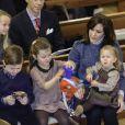 Le prince Frederik et la princesse Mary de Danemark étaient avec leurs quatre enfants, Christian, Isabella, Vincent et Josephine, au concert de Noël annuel à l'église Esajas de Copenhague, le 16 décembre 2012.