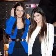 Kendall et Kylie Jenner rencontrent leurs fans à la boutique Kardashian Khaos dans l'hôtel-casiono The Mirage. Las Vegas, le 15 décembre 2012.