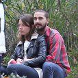 Shia LaBeouf in love de sa nouvelle petite amie, Mia Goth, le 22 décembre 2012.