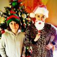 Miley Cyrus affiche deux bagues à la main gauche dans une photo avec sa soeur Noah, postée sur Twitter le 26 décembre 2012.