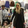 Rachel Zoe et son fils Skyler Berman font du shopping à Los Angeles, le 9 janvier 2013.